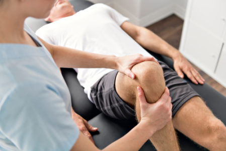 patient with knee injury